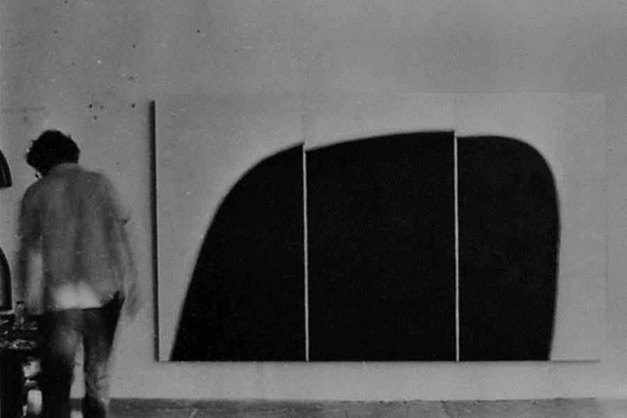 Luiz Paulo Baravelli | Ubatuba, 1969 | acrílica sobre compensado | 160 x 276 cm - tríptico (Baravelli no estúdio, 1969)